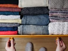 Как да се отървете от статичното електричество по дрехите