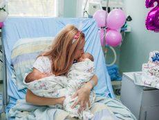 "Лекари от ""Майчин дом"" спасиха родилка и близнаците й"