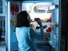 Кое е по-вредно – да ядете късно или да си легнете гладни?