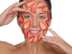 Ягодови маски за лице за стегната и красива кожа