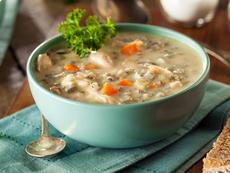 Пилешка супа с гъби и ориз