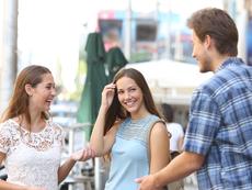 Научно доказани начини да привлечете мъжкото внимание