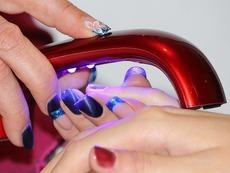 Лоши навици, които съсипват ноктите