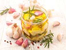Ползи за здравето от чесновото олио
