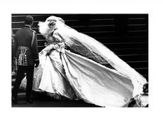 Кралските рокли – пищност и красота, струващи стотици хиляди