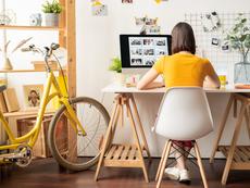 Как да се справите с конфликт с колега, докато работите от вкъщи