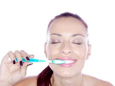 Ето защо миете зъбите грешно!