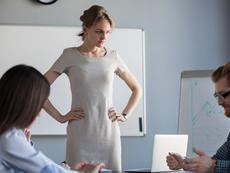 Как да критикуваме колега на работа