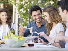 Какво не трябва да правите след хранене?