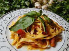 Сос за паста – домати с босилек