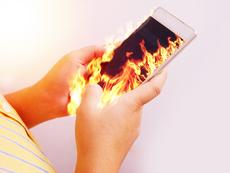 Как бързо да охладите телефона си след прегряване?