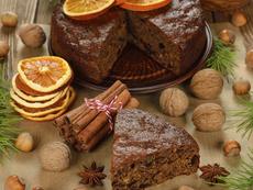 Постен какаов кекс със сушени плодове и ядки