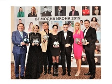 "Поли Генова и Ивайло Захариев с приз ""БГ модна икона 2019"""