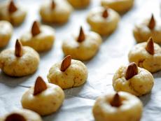 Маслени сладки с бадем
