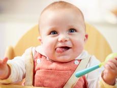 Бебетата разбират думи доста преди да проговорят?