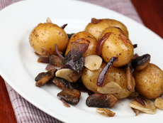 Печени картофи с лук, мед и горчица