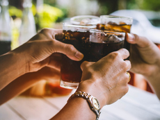 10 причини да избягвате газираното, включително диетичното