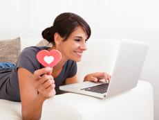 Защо любовта в интернет е все по-лесна?