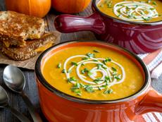 Тиквена супа с къри за мултикукър