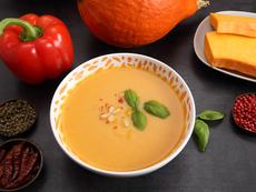 Тайландска супа с тиква и кокосово мляко