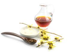 Ползи за кожата от билката хамамелис
