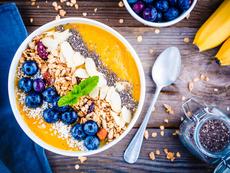 Златно кисело мляко – как ни помага да сме по-здрави