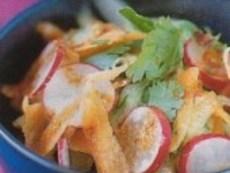 Пролетна салата от моркови и репички