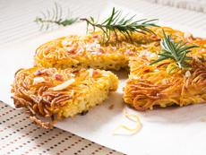 Печени спагети с бекон и кашкавал