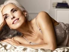 Блестяща и над 50 – тайните за красота на модела Ясмина Роси