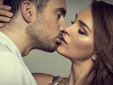 5 основни техники за страстни и незабравими целувки