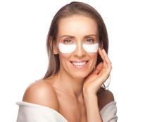 4 маски за стегната и млада кожа около очите