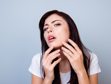 5 потенциални причини за поява на окосмяване по брадичката