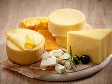 Как правилно да съхраняваме сиренето в хладилника