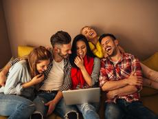 Научно доказани причини приятелите да ви правят по-здрави и щастливи