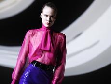 Ефирни материи и ярки цветове в колекцията на Yves Saint Laurent