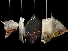 Как баните с чай помагат срещу миризливи крака?
