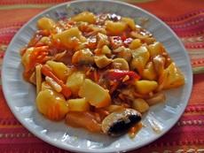 Картофи яхния със сладко-кисел сос
