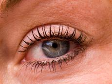 Как да върнем белотата на очите си?