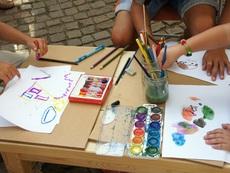 Семинари за родителите, игри за децата на детско изложение в София
