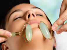 Ползите от масажа на лице с ролер