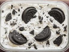 Сладолед без машина с бисквити и течен шоколад