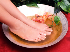4 вани за крака, които облекчават някои неразположения