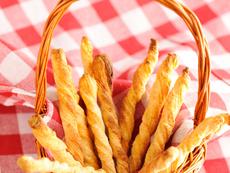 Пръчици от бутертесто с ядки и шоколад