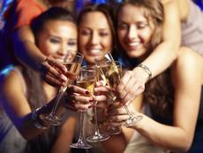 Знаете ли, че... жените метаболизират по-бавно алкохола?