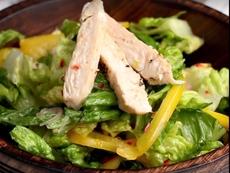 Пилешка салата със специален дресинг