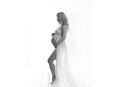 Певицата Ирра роди момиченце