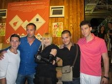 Лили Иванова наруши спартанския си режим заради морски концерт