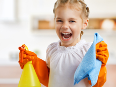 На какво да научите децата в домакинството?