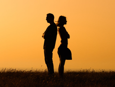 Защо нарцисите трудно създават връзки?