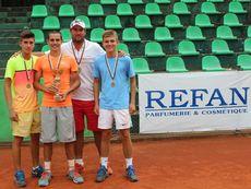 """""""Рефан България""""  подкрепи държавните първенства по тенис за юноши и девойки"""
